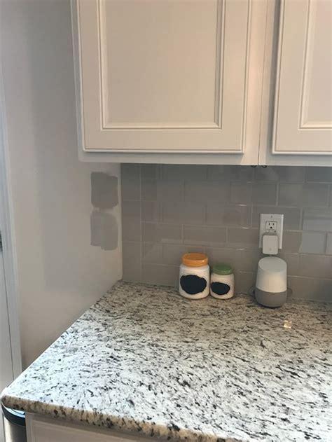 Wall color with light gray backsplash??