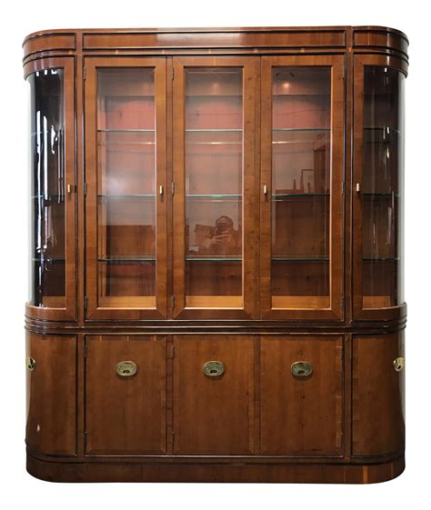 Hutch Manufacturing Company - hickory manufacturing raffles yew wood china display