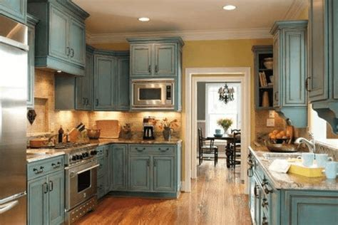 how to paint old kitchen cabinets how to paint kitchen cabinets with chalk paint to look antique