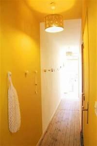 un mur de briques rouge fait la deco du couloir deco With peinture couleur lin et gris 8 idees pour decorer un interieur avec des couleurs neutres