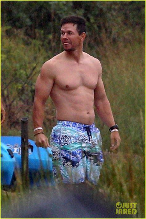 mark wahlberg puts  ripped shirtless body  display