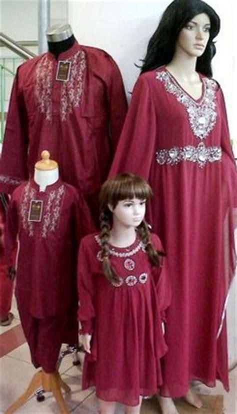 15 baju keluarga muslim terbaru 2018