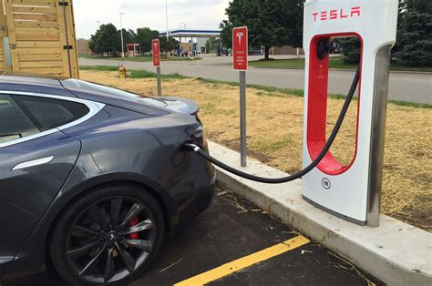 tesla charging tesla to charge new owners to use supercharger network