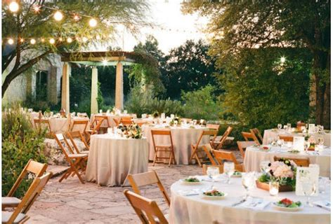 by design brides warm up with outdoor wedding ideas