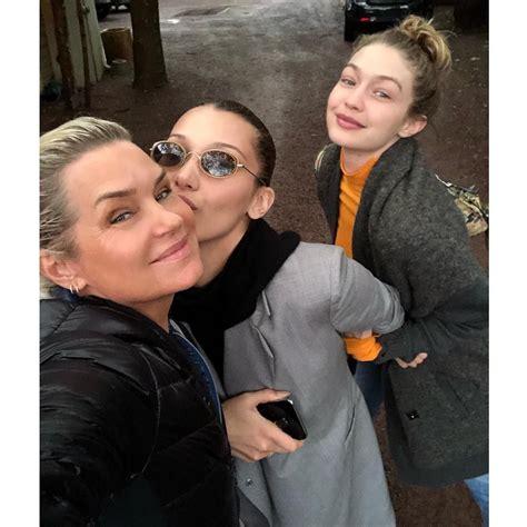 Gigi Hadid's mom, Yolanda Hadid, is her uncanny look-alike ...
