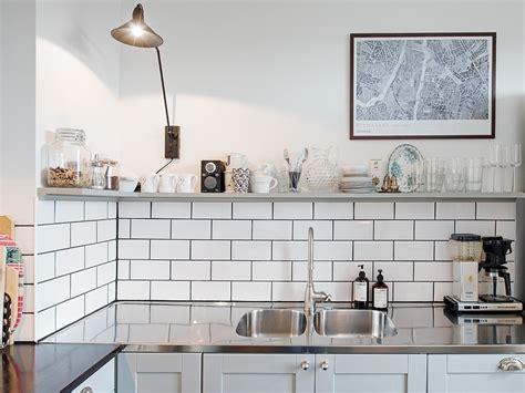 evier cuisine but le joint noir ou gris pour le carrelage joli place