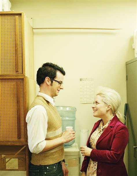amour au bureau amour au bureau 12 des français ont déjà succombé
