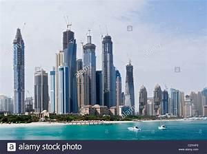 Skyline of modern high rise towers at Dubai Marina ...