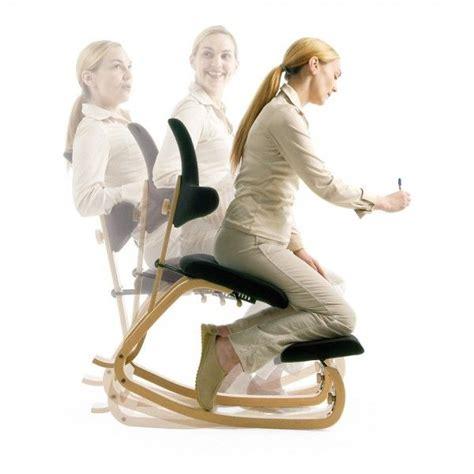 siege ergonomique bureau assis genoux les 25 meilleures idées concernant siège ergonomique sur