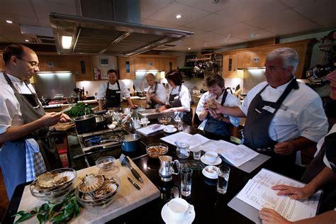 cuisine cook cooking