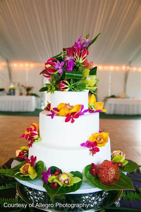 cuban inspired wedding  tropical trend  lots  sabor