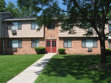1 Bedroom Apartments For Rent In Rochester Ny by Hamlet Court Apartments For Rent In Rochester Ny