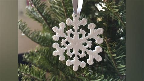 festive christmas decorations    print  home