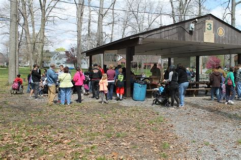 earth day attracts hundreds to ewing park to celebrate the 701 | IMG 5302