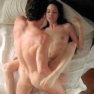 Nackt sexy angelina jolie Angelina Jolie