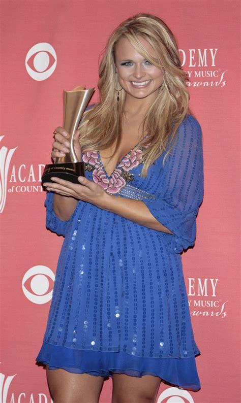 [pics] Carrie Underwood & Miranda Lambert Acms Dresses