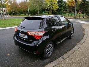 Essai Toyota Yaris Hybride : essai toyota yaris hybride chic 2017 la reine des villes ~ Gottalentnigeria.com Avis de Voitures