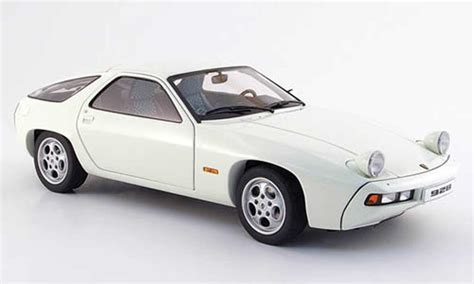 porsche 928 white porsche 928 1977 white autoart diecast model car 1 18