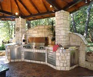 outdoor kitchen design center choosing the right outdoor kitchen essentials 3843