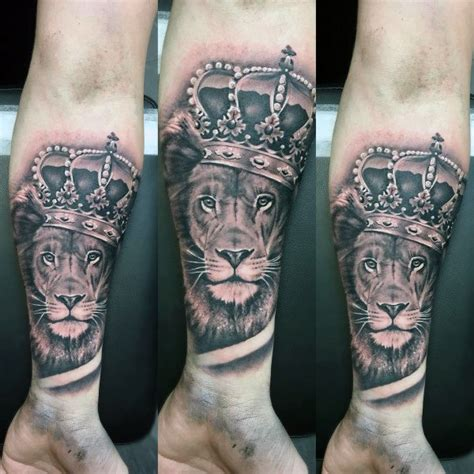 Tattoo Catalog Men lion  crown tattoo designs  men royal ink ideas 600 x 600 · jpeg