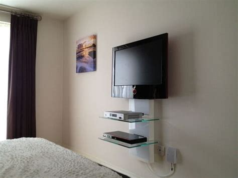 tv wall mounting  cable management gallery av