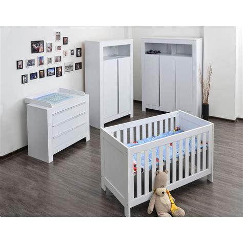babybett komplett mit wickelkommode babyzimmer kinderzimmer komplett felix in wei 223 komplettset mit grossem kleiderschrank