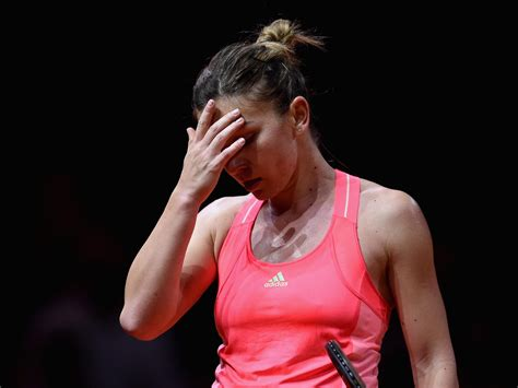 Simona Halep Starts 2018 As World No.1, But Without A Clothing Sponsor - UBITENNIS