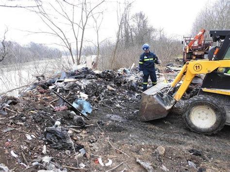 ufficio impiego asti cinquanta metri cubi di rifiuti rimossi lungo il tanaro