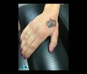 Tatouage Sur Doigt : tatouage doigts et mains graphicaderme ~ Melissatoandfro.com Idées de Décoration