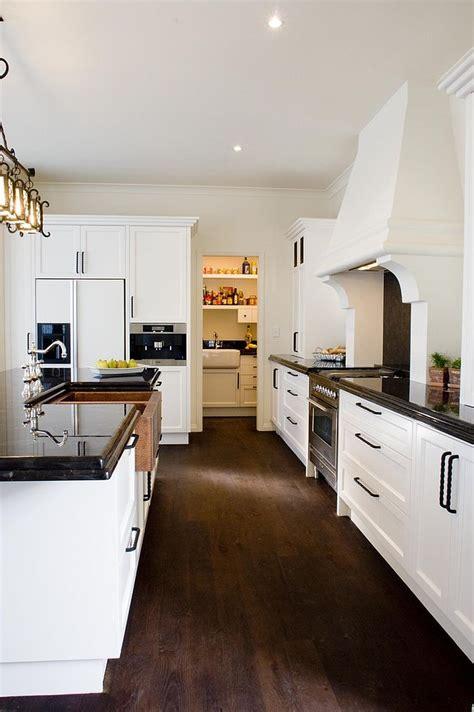 sparkling trend  gorgeous kitchens   bright