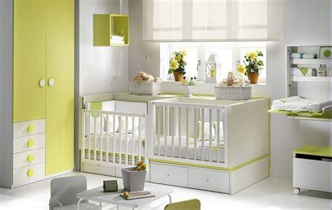 chambre de b b jumeaux lit d appoint lit parc bebe pour jumeaux 2en1 jaune