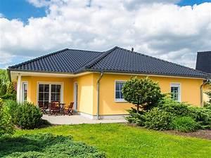 Fertighaus Preise Schlüsselfertig : bungalow mit ber 130 qm grundriss und platz f r 2 kinderzimmer ~ Frokenaadalensverden.com Haus und Dekorationen