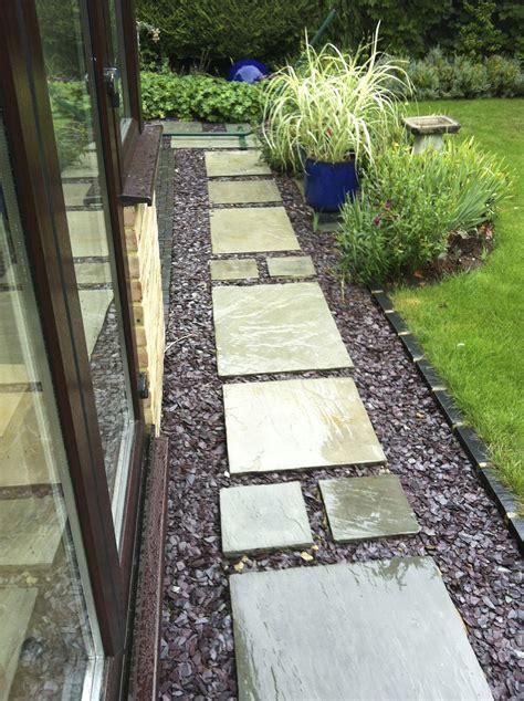 paving  slate chip path    backyard