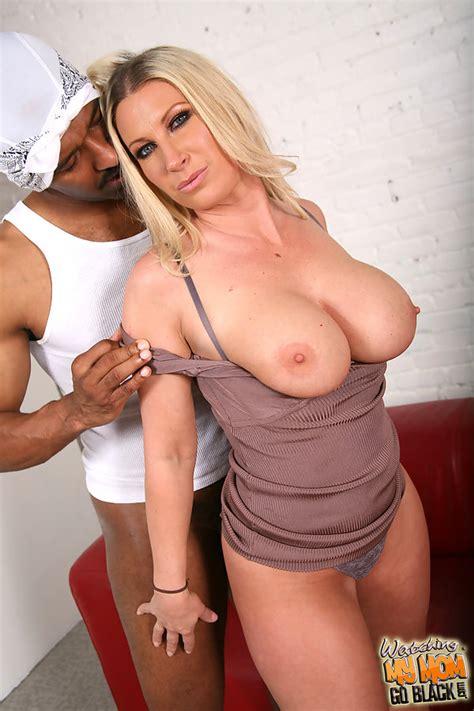 Devon Lee And Pressley Carter Sharing A Big Black Cock