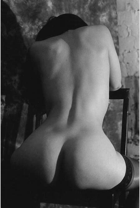 Erotic Art Photography: Artistic Nude Female