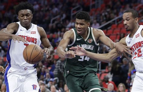 Detroit Pistons at Milwaukee Bucks live chat - mlive.com