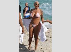 Que fartura! Ex de Kanye West, Amber Rose mostra as curvas