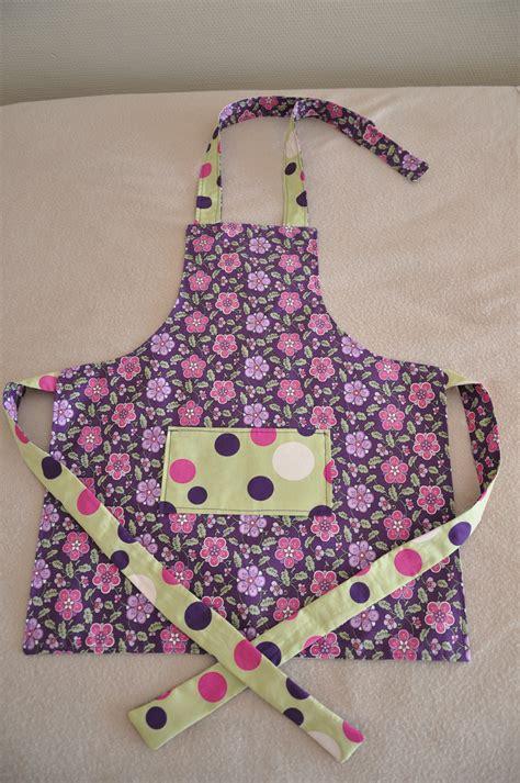 cuisine fille 2 ans pancake suzette un tablier de cuisine taille enfant et