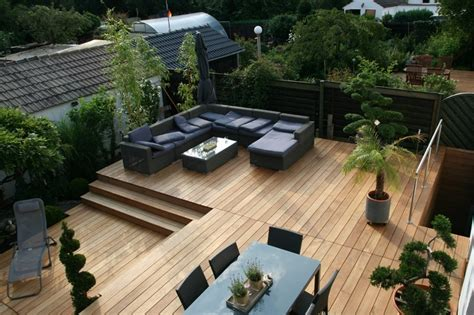 terrasse stühle holz die vor und nachteile holzterrassen holzwelten