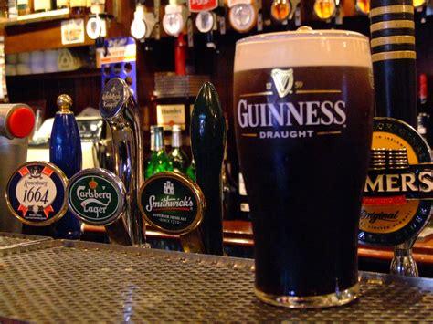 irische küche drinkers destination dublin ireland guinness pint