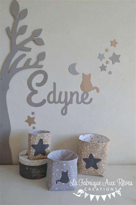 chambre bebe beige et taupe décoration chambre bébé taupe gris beige blanc étoiles