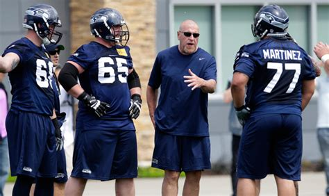 seahawks rely    offensive  coach tom