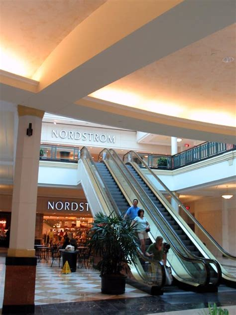 nordstrom rack king of prussia nordstrom king of prussia mall fly sandals
