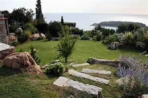 comment amenager jardin en pente With amenager son jardin en pente 2 idee amenagement jardin deco jardin gamm vert