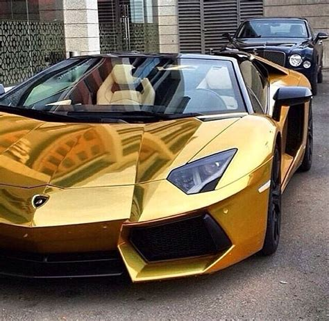 gold chrome lambo automobiles carros de luxo