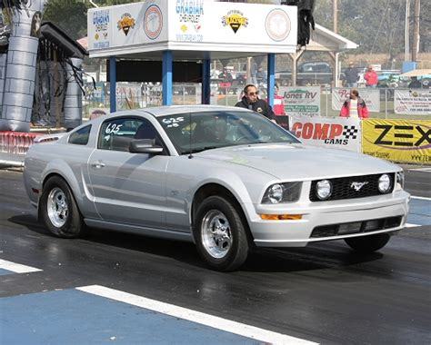 ford mustang gt powerhouse turbo  mile drag racing