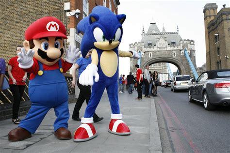 mario  sonic invade london town  sonic stadium