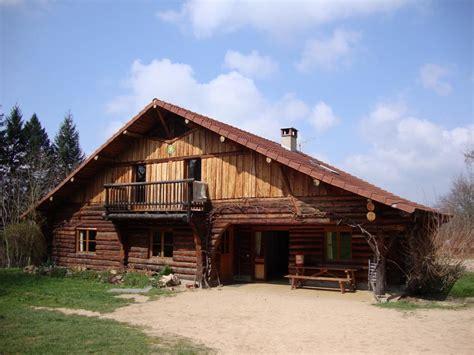 chambre d hotes chatel location de vacances gîte chatel montagne dans allier en
