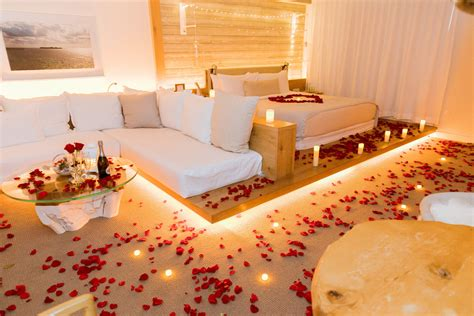 romantic hotel room decoration   hotel miami