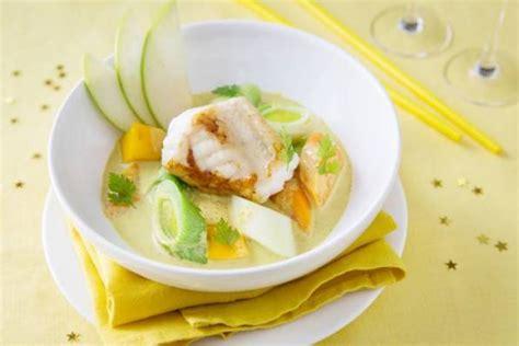 cuisiner une queue de lotte recette de curry de lotte aux petits légumes et aux fruits